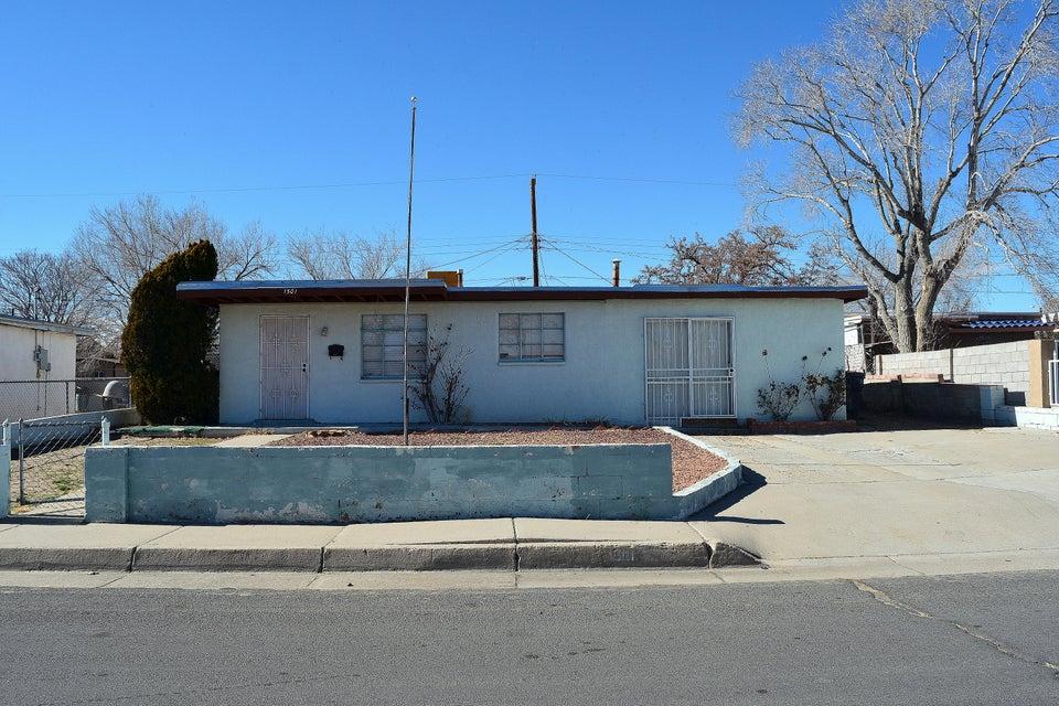1501 54Th Street NW, Albuquerque, NM 87105