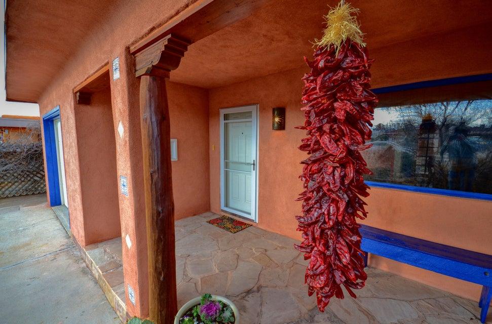 841 Delamar,Albuquerque,New Mexico,United States 87107,2 Bedrooms Bedrooms,1 BathroomBathrooms,Residential,Delamar,883278