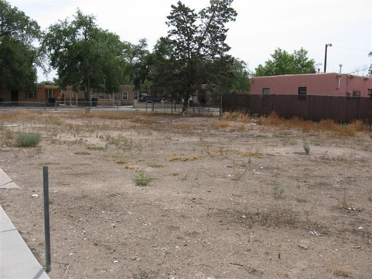 165 Mesilla Street NE, Albuquerque, NM 87108