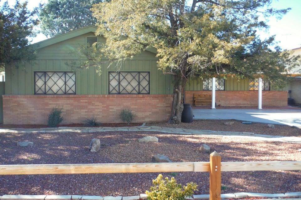 517 La Veta Drive NE, Albuquerque, NM 87108