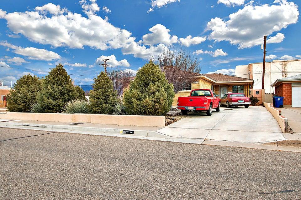 820 Cagua Drive NE, Albuquerque, NM 87108