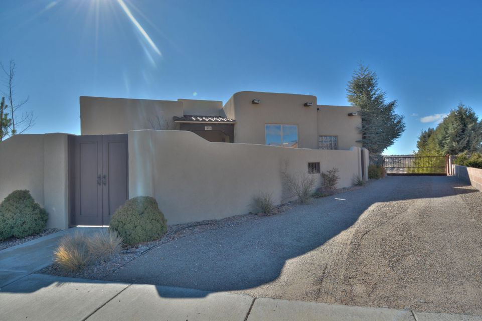 4904 San Timoteo Avenue NW, Albuquerque, NM 87114