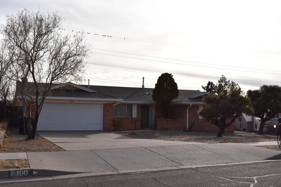 11800 La Charles NE, Albuquerque, NM 87111