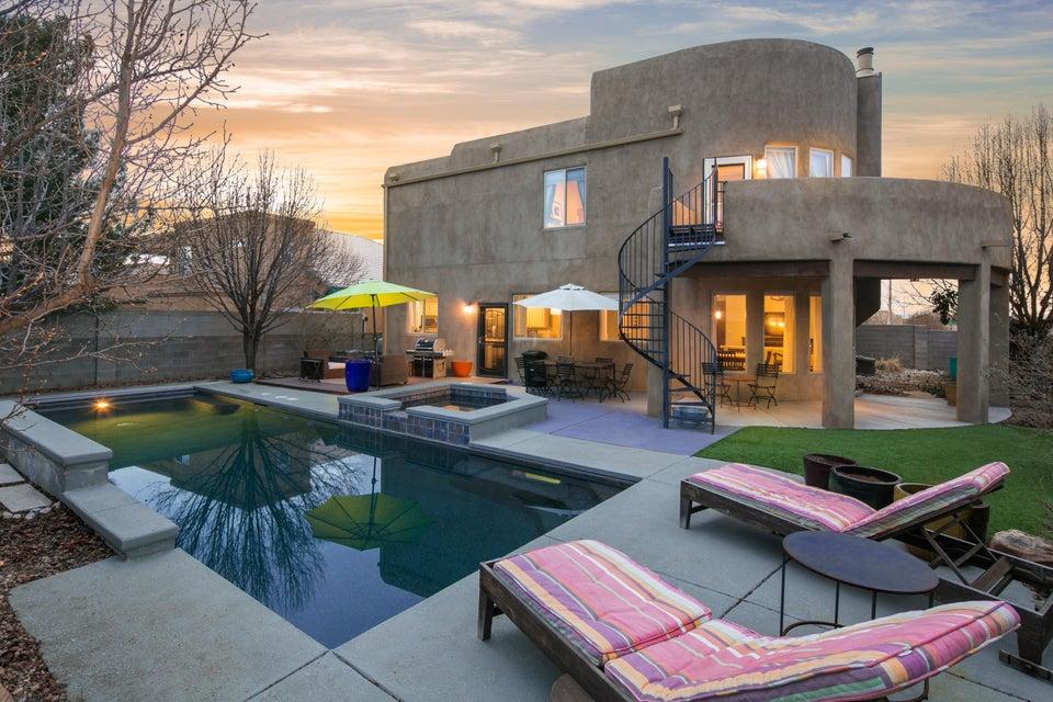 8424 Chateau Drive NE, Albuquerque, NM 87122