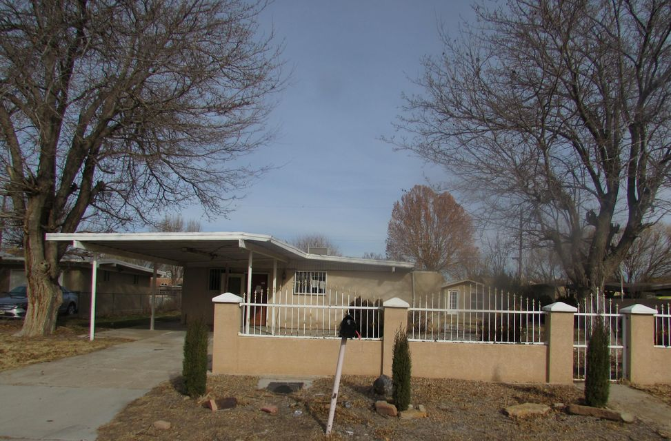 1739 Van Court SW, Albuquerque, NM 87105