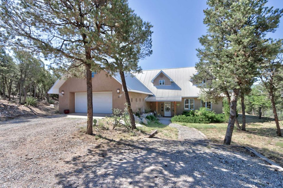 30 Vallecitos Loop, Tijeras, NM 87059