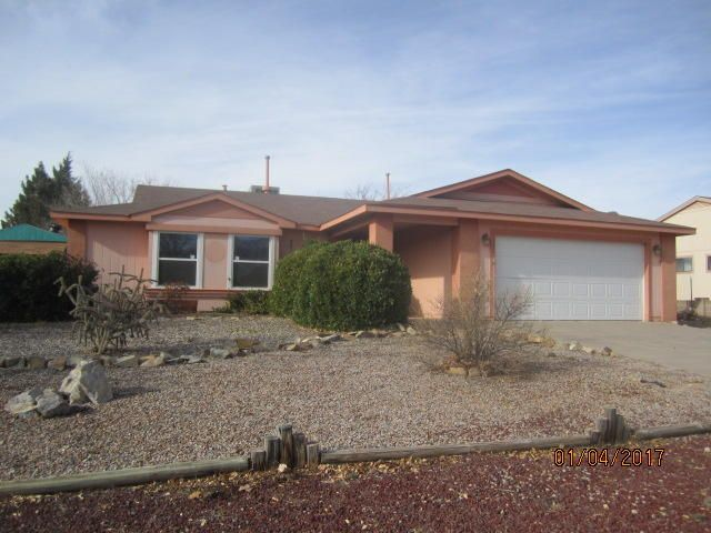 1949 Roanoke Drive NE, Rio Rancho, NM 87144