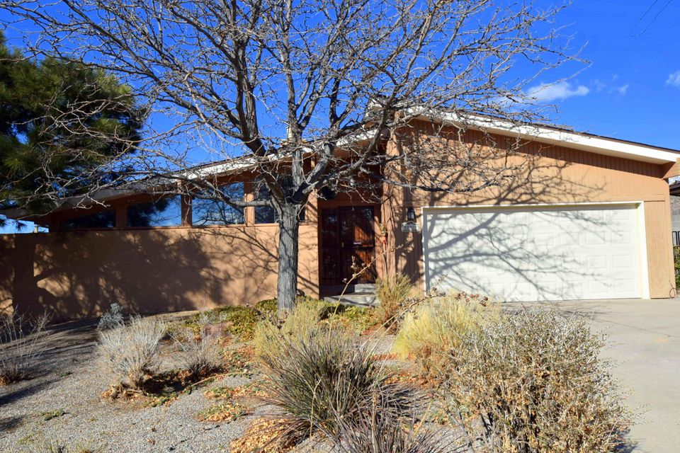 12921 Eagle Dancer Trail NE, Albuquerque, NM 87112