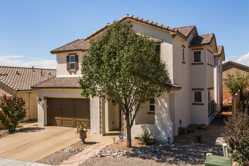 6823 Lava Rock Drive NW, Albuquerque, NM 87120