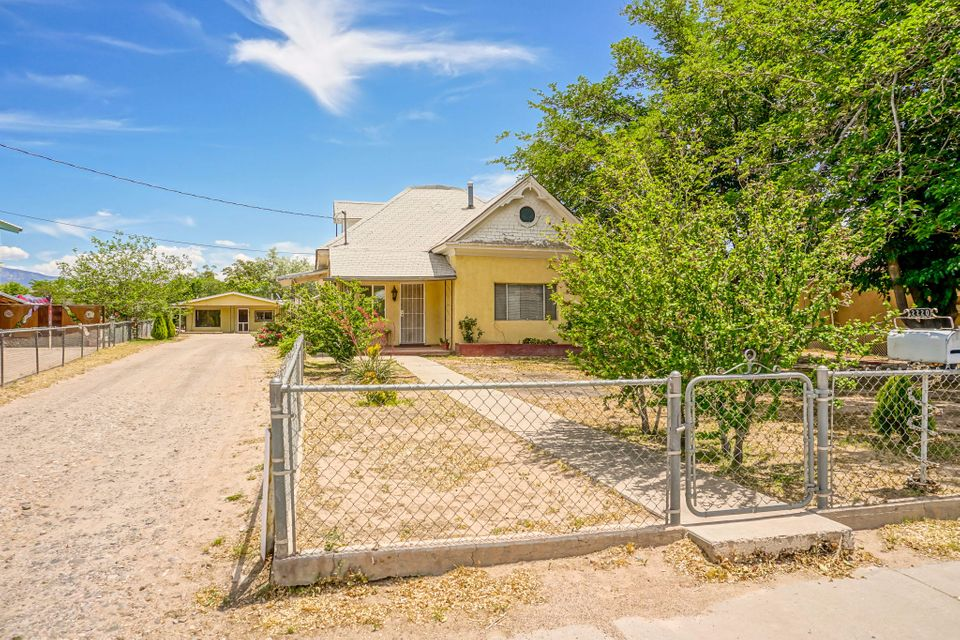 2220 William Street SE, Albuquerque, NM 87102
