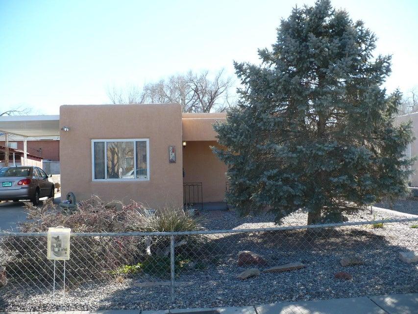 226 Natalie Avenue NW, Albuquerque, NM 87107