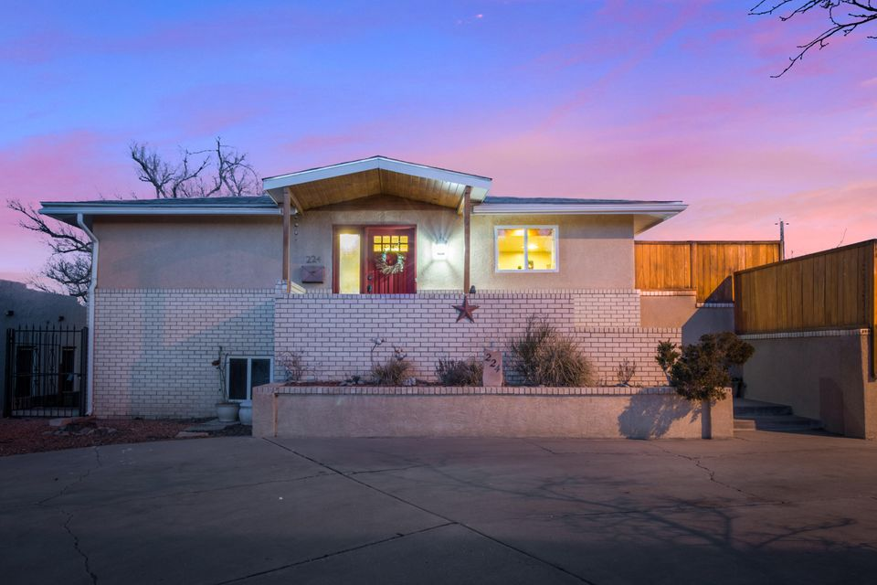 224 Hermosa Drive SE, Albuquerque, NM 87108