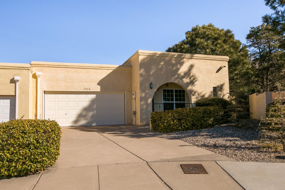 1924 Chandelle Loop NE, Albuquerque, NM 87112