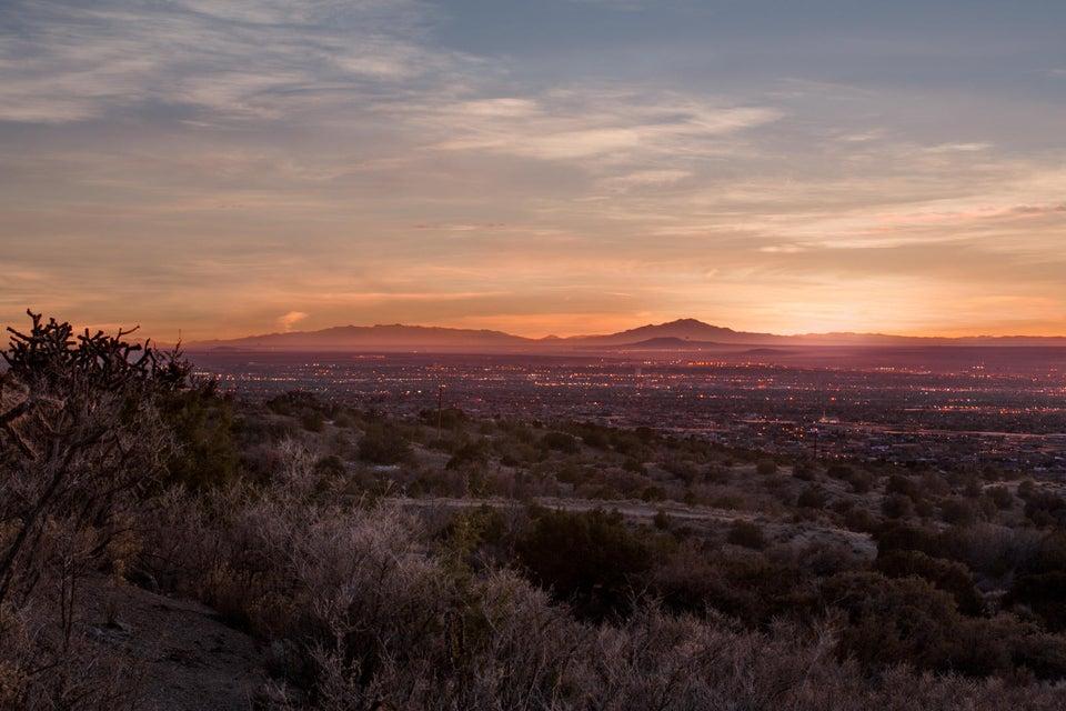 28 Tierra Monte NE, Albuquerque, NM 87122