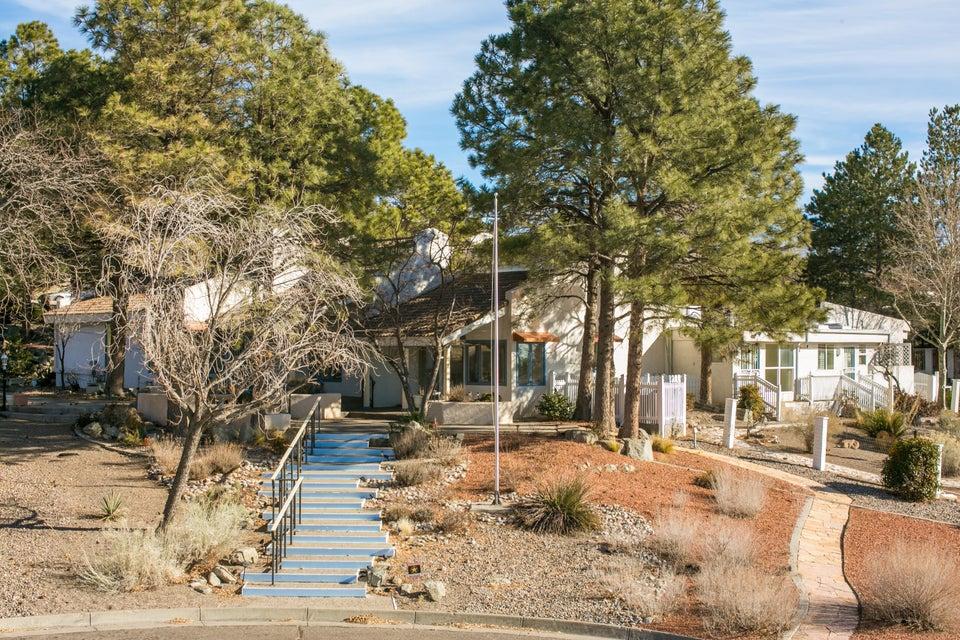 1601 La Tuna Place SE, Albuquerque, NM 87123