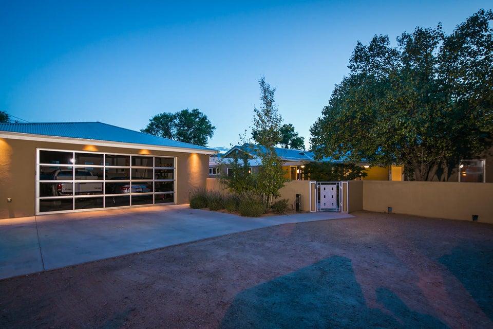 3025 Rio Grande Boulevard NW, Albuquerque, NM 87107
