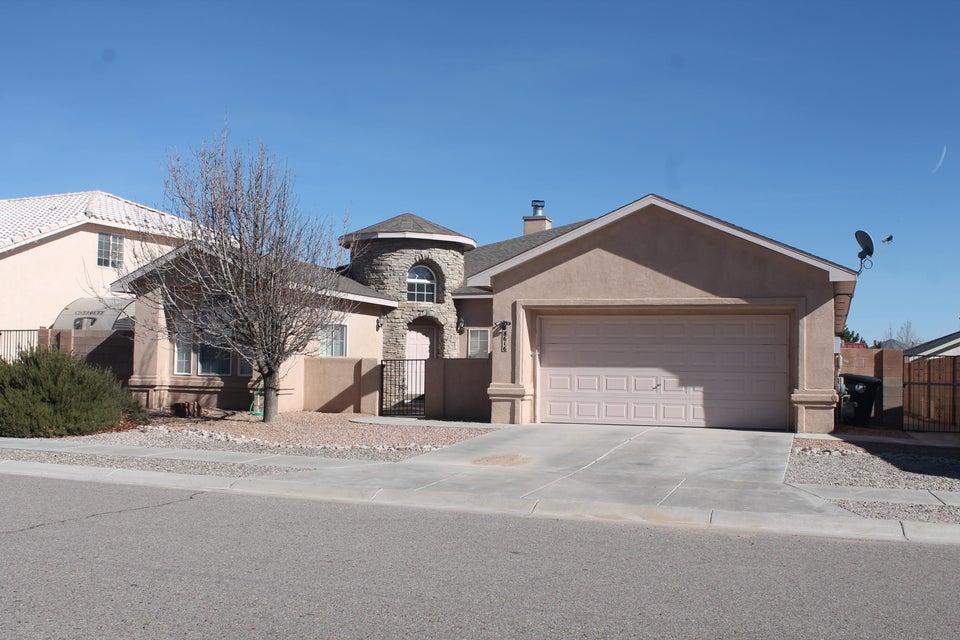 8616 Casa Verde Avenue NW, Albuquerque, NM 87120