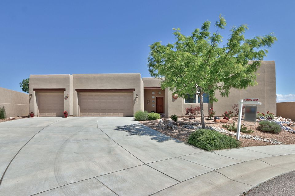 2505 Vista Manzano Loop NE, Rio Rancho, NM 87144
