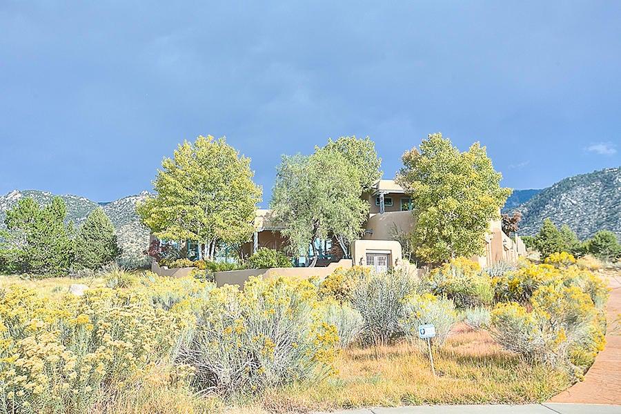 13740 Apache Plume Place NE, Albuquerque, NM 87111