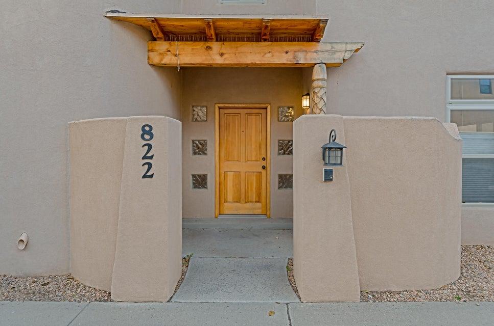 822 Southeast Circle NW, Albuquerque, NM 87104