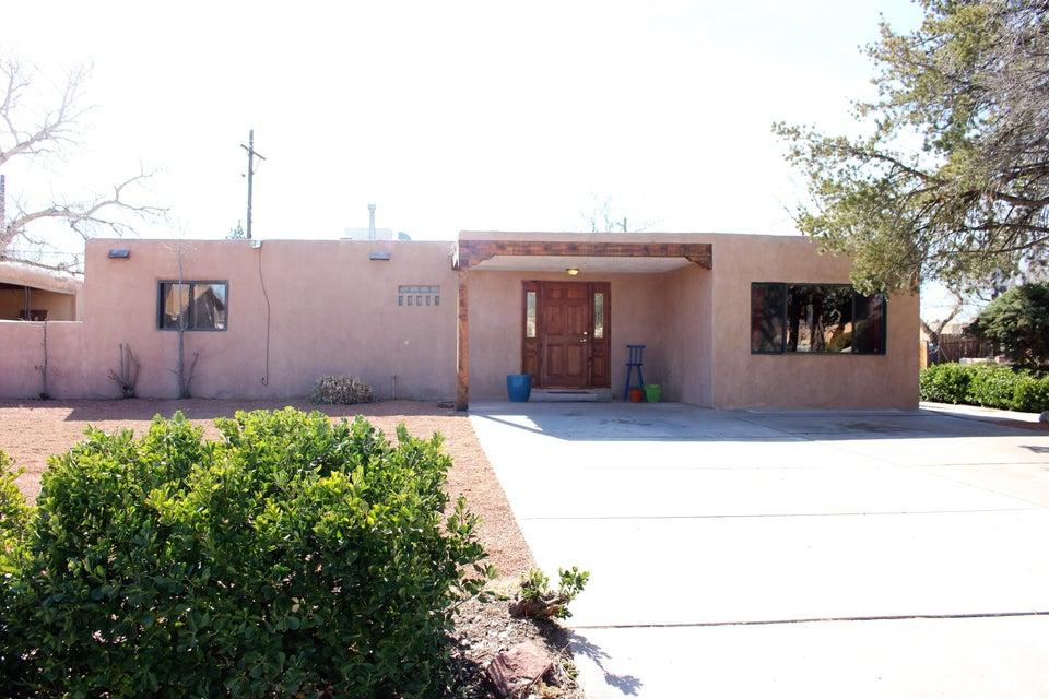 552 Barlane Place NW, Albuquerque, NM 87107