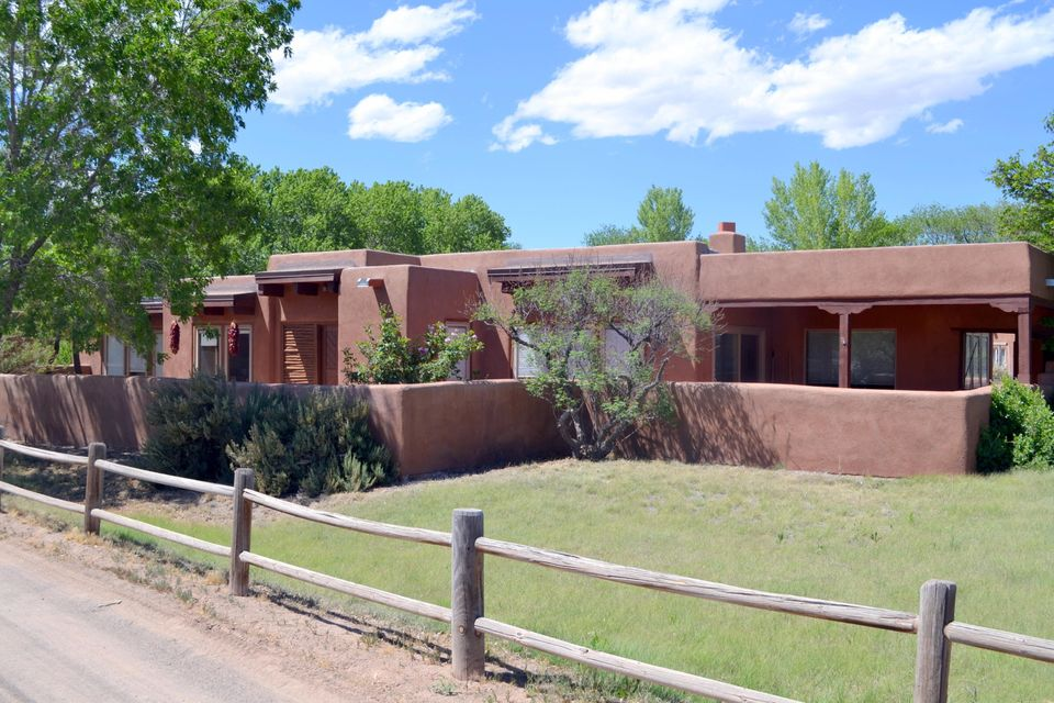 105 La Isla Lane, Corrales, NM 87048