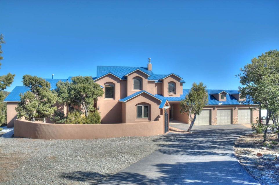 8 Calle De Oro, Tijeras, NM 87059