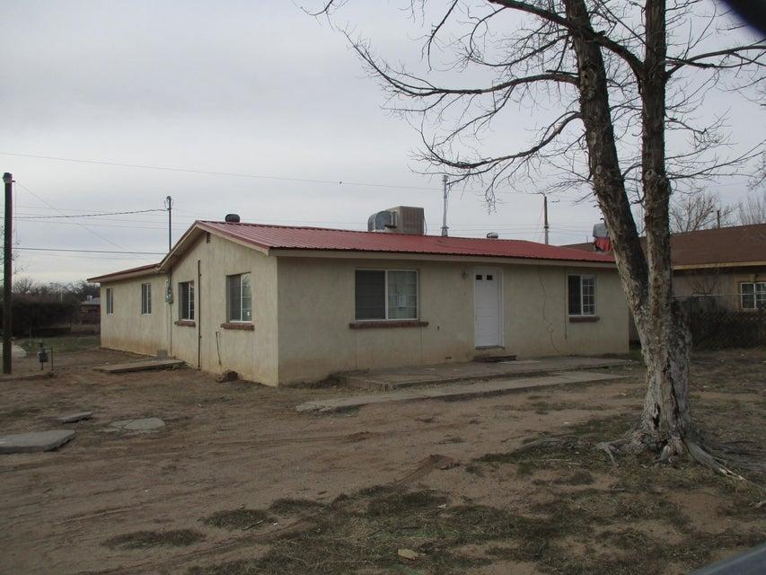 2013 Lucia Avenue SW, Albuquerque, NM 87105