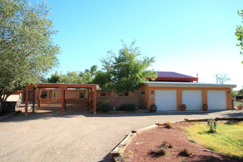 312 Nara Visa Road NW, Los Ranchos, NM 87107