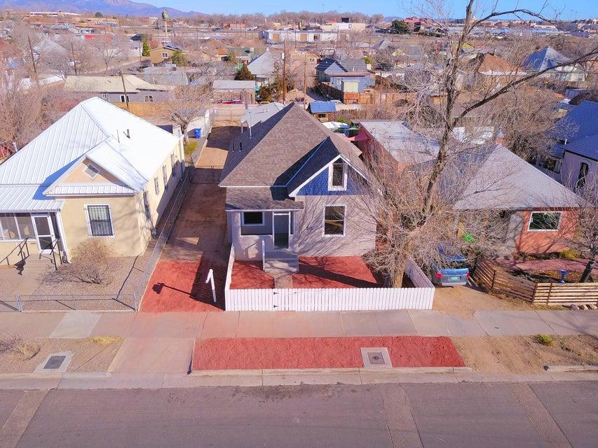 610 Walter Street SE, Albuquerque, NM 87102