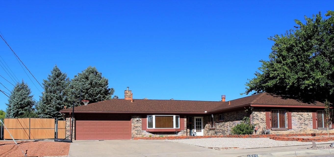 1525 Marron Circle NE, Albuquerque, NM 87112