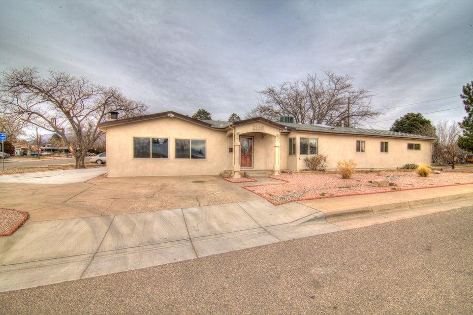 1100 Glorieta Street NE, Albuquerque, NM 87112
