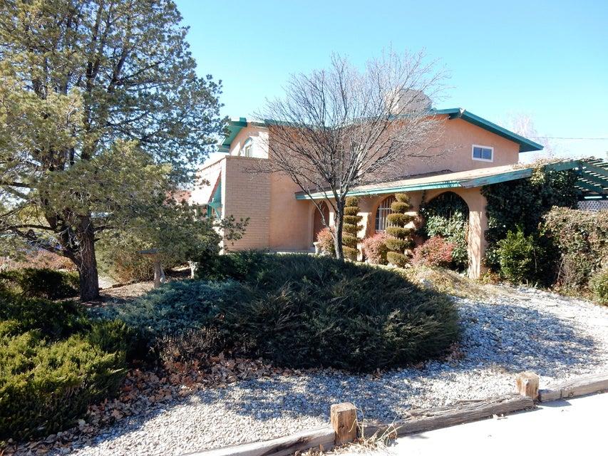 9121 Orlando Place NE, Albuquerque, NM 87111