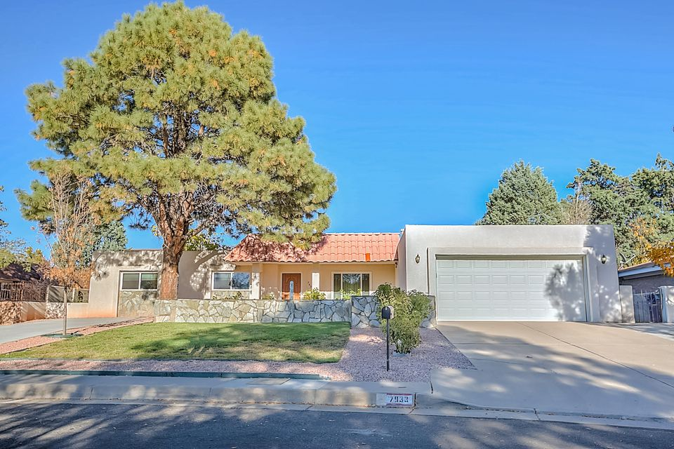 7933 Academy Trail NE, Albuquerque, NM 87109