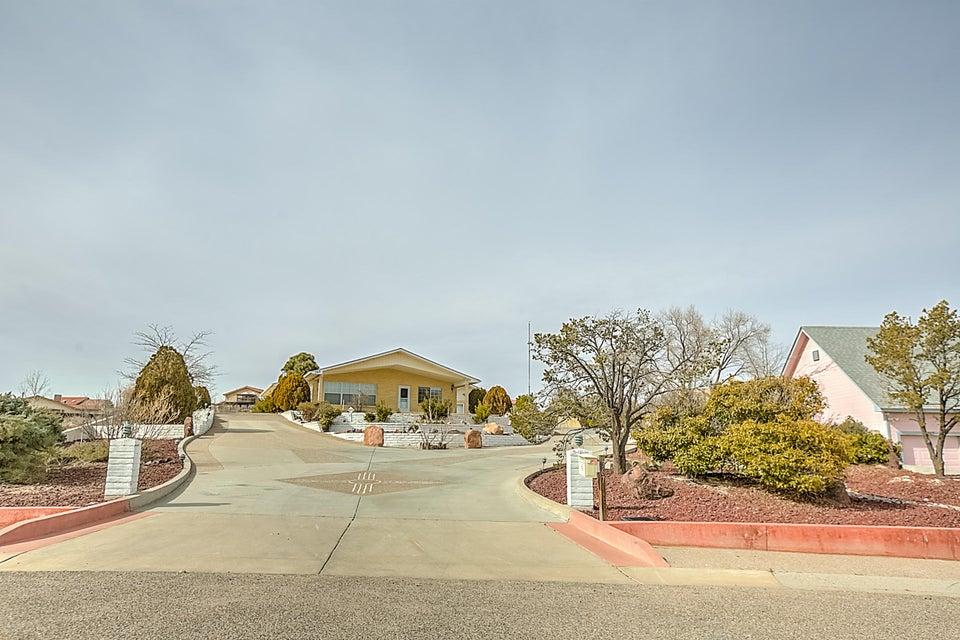 767 Cascade Road SE, Rio Rancho, NM 87124