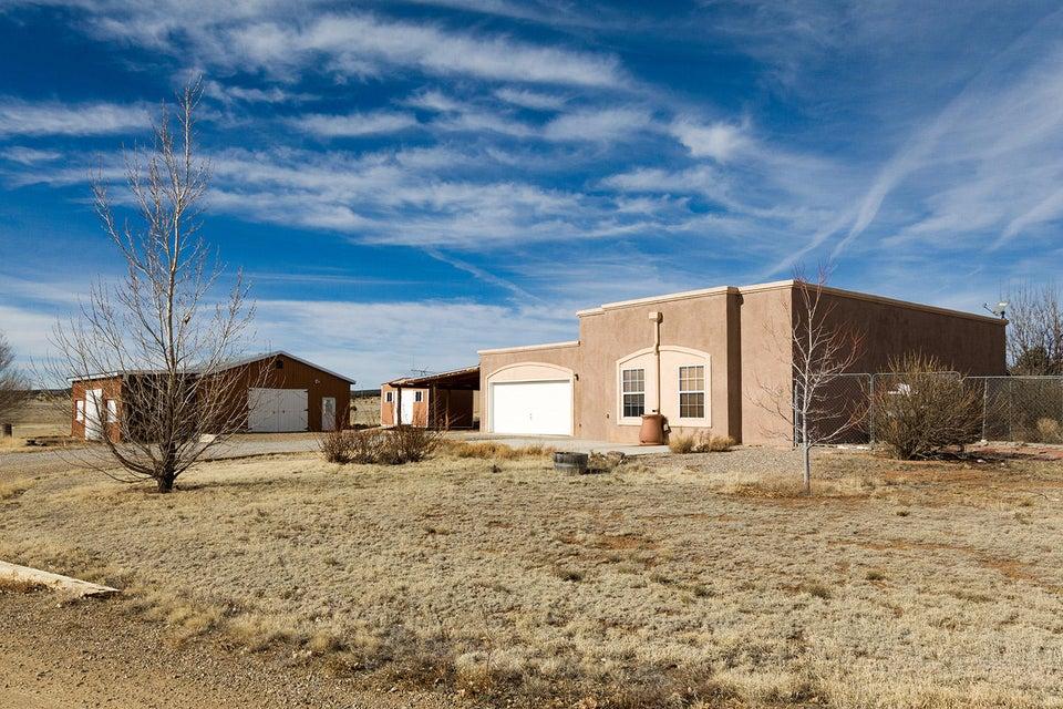 4 Los Castillos, Edgewood, NM 87015