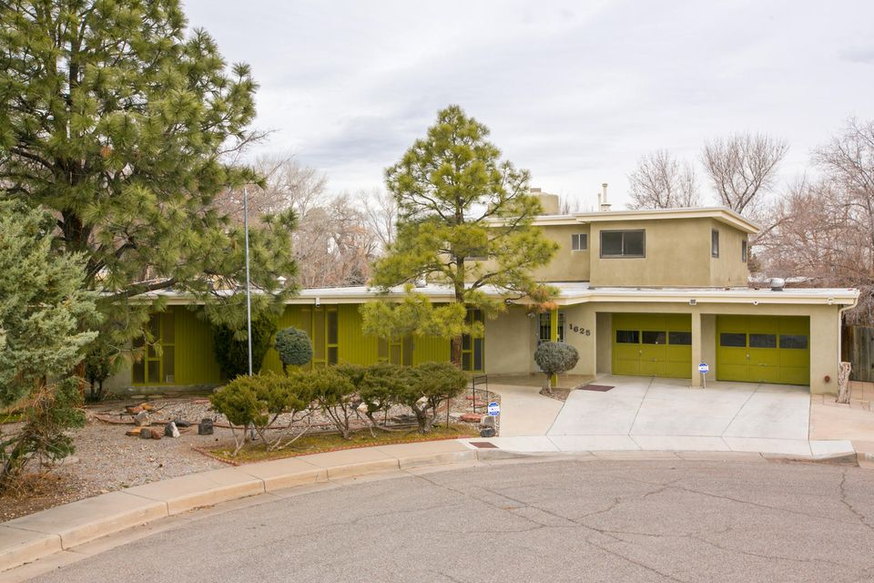 1625 Speronelli Road NW, Albuquerque, NM 87107