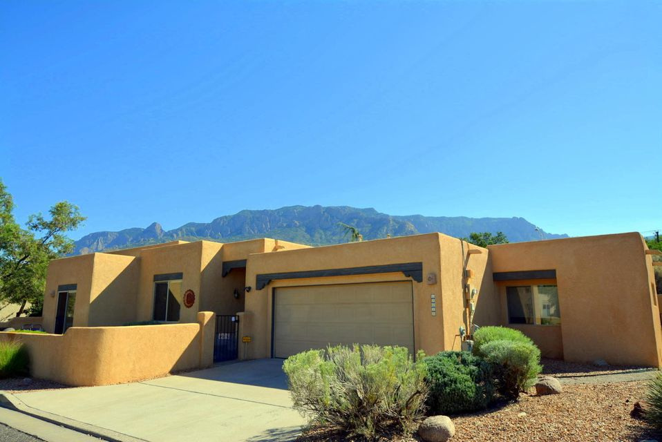 12612 Carmel Court NE, Albuquerque, NM 87122