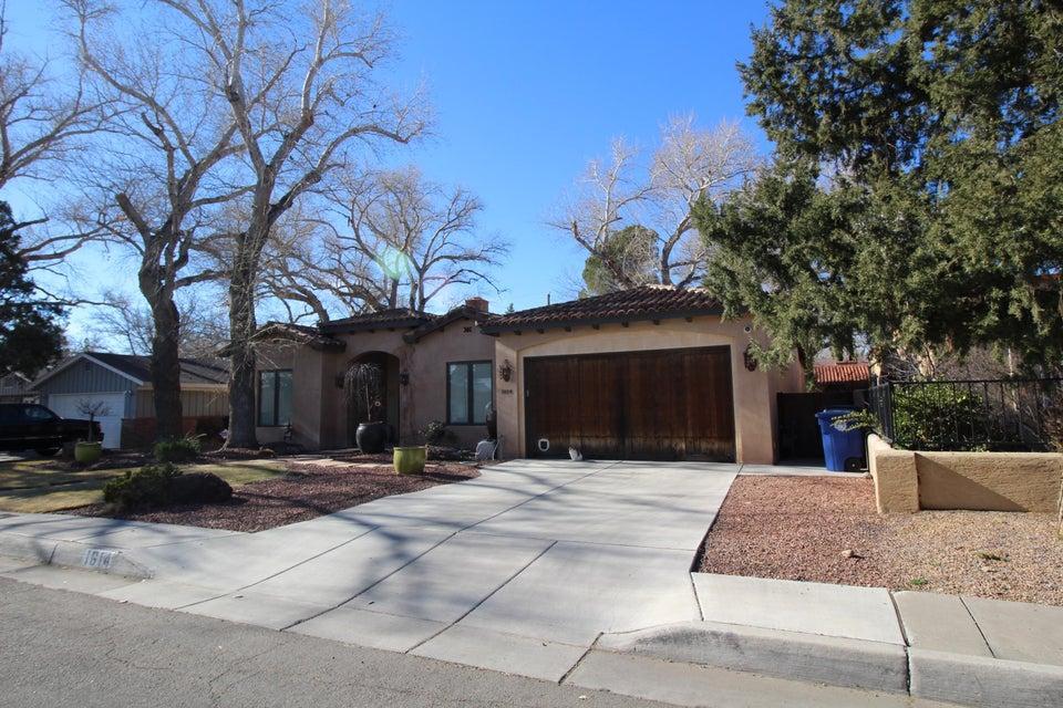 1614 San Patricio SW, Albuquerque, NM 87104