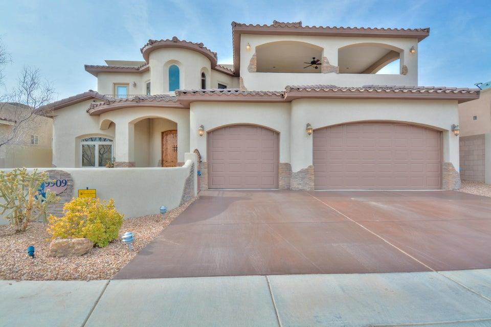 9909 Buckeye Street NW, Albuquerque, NM 87114