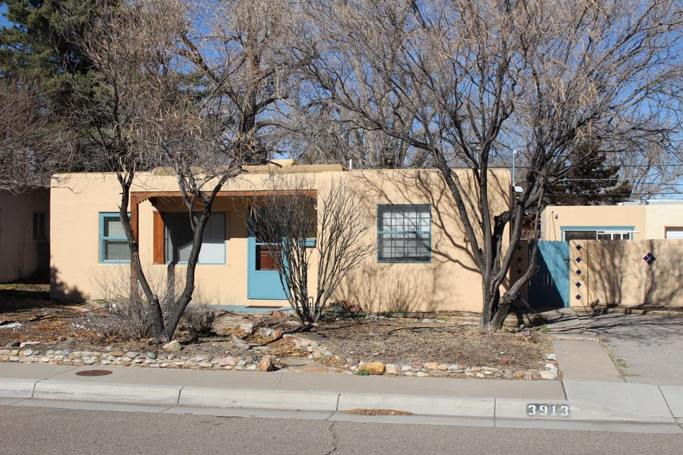 3913 Simms Avenue SE, Albuquerque, NM 87108