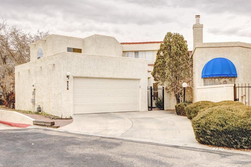 582 Eastlake Drive SE, Rio Rancho, NM 87124