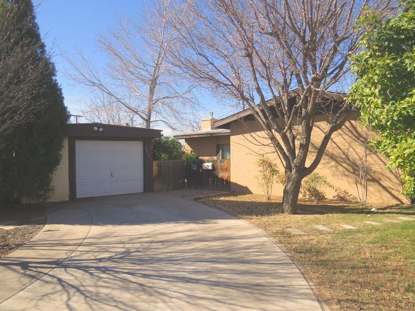 2613 Gretta Street NE, Albuquerque, NM 87112