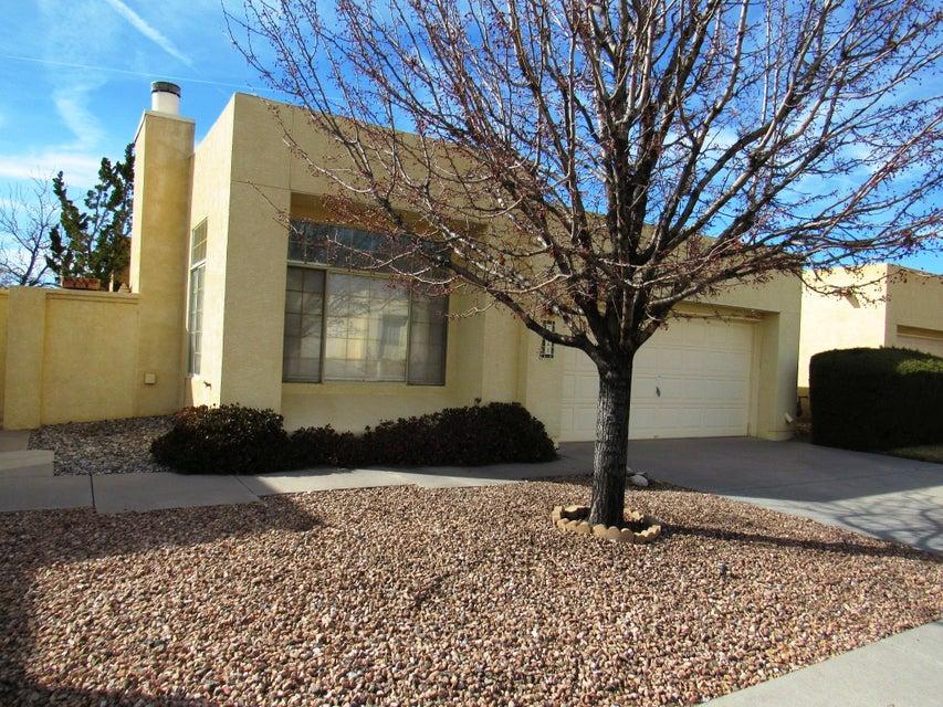 7925 Woodridge Drive NE, Albuquerque, NM 87109