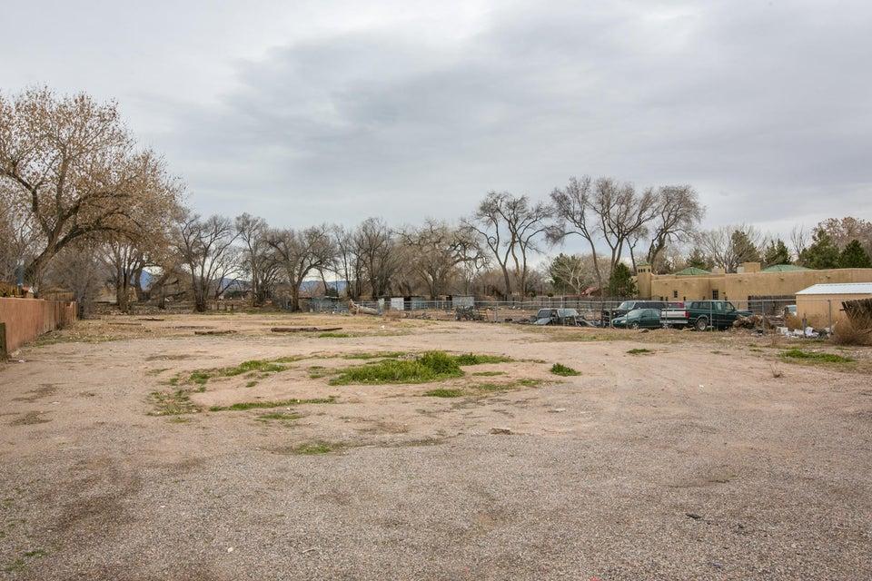 3010 Rio Grande Boulevard NW, Albuquerque, NM 87107