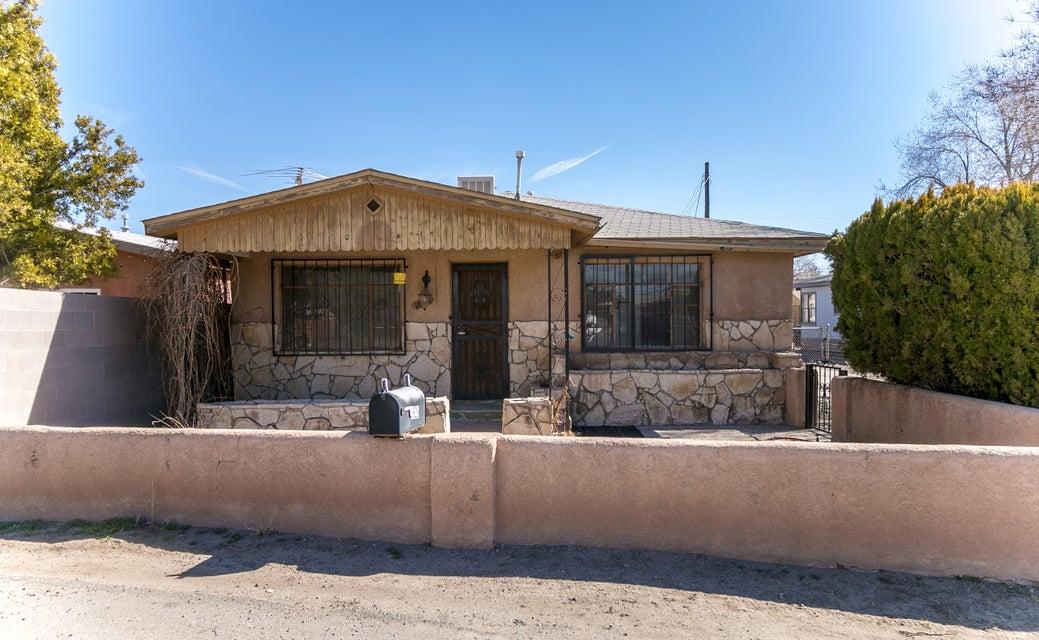 1628 Evergreen Street SW, Albuquerque, NM 87105