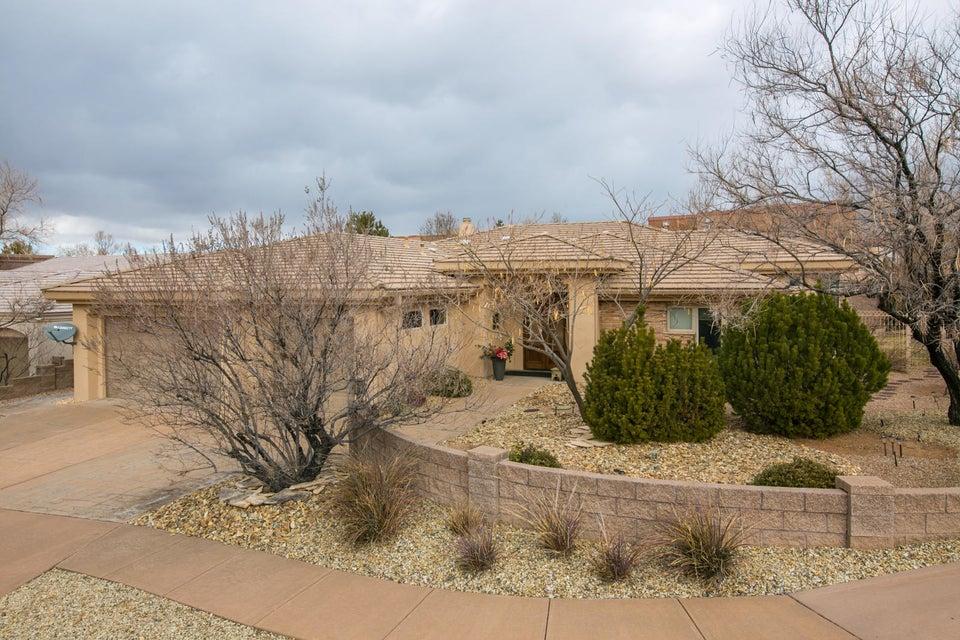 12709 Calle Del Oso Place NE, Albuquerque, NM 87111