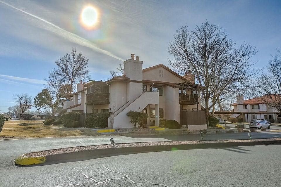 5907 Mckinney Drive NE, Albuquerque, NM 87109