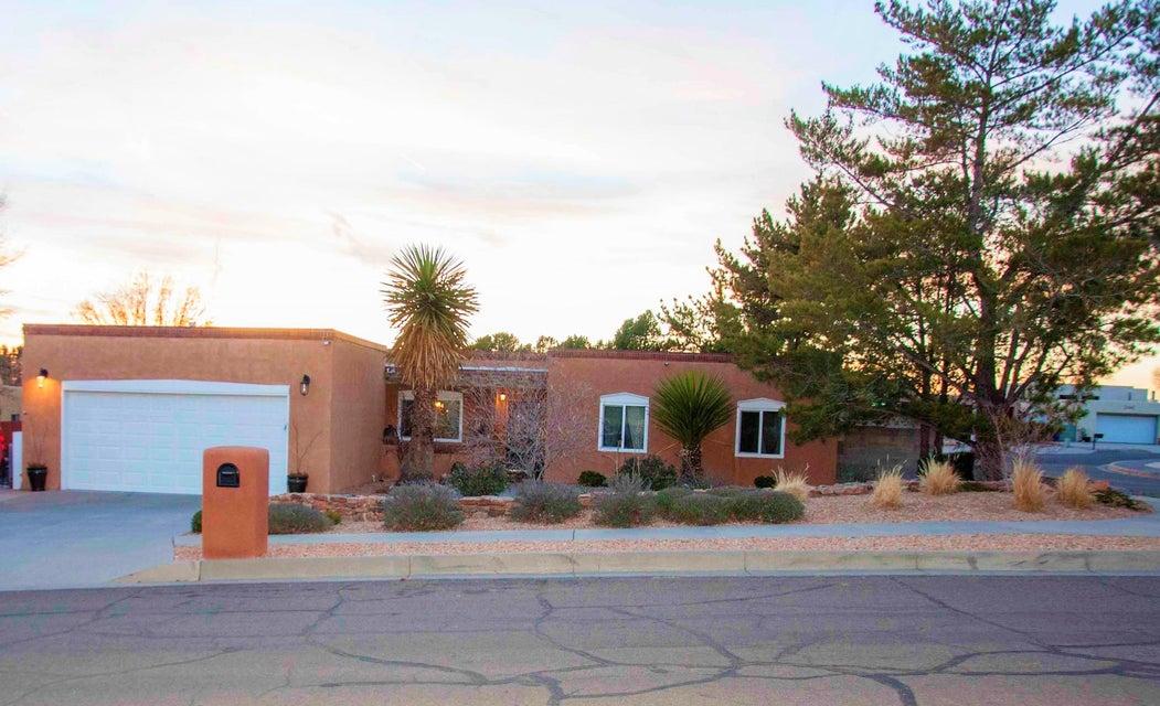 3705 Arboleda Senda NE, Albuquerque, NM 87111