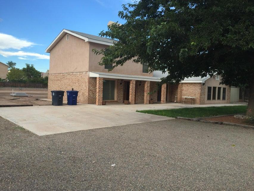921 Juanita Lane NW, Albuquerque, NM 87107